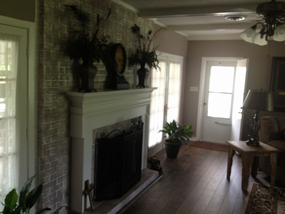 large fireplace in den with gas logs large den with beautiful firplace, recently updated, gas logs